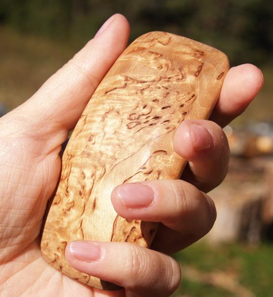 Карельская береза материал для ножа